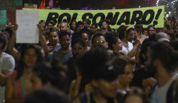En medio de protestas Bolsonaro envía militares para combatir los…