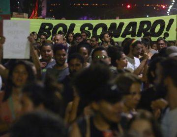 En medio de protestas Bolsonaro envía militares para combatir los incendios en la Amazonia