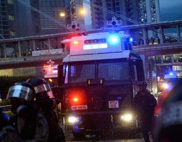 Hong Kong: Policía dispara y usan cañones de agua contra manifestantes