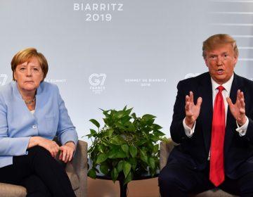 """Angela Merkel se ríe cuando Donald Trump presume su """"sangre alemana"""""""