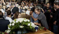 Cientos de personas acompañaron al hombre que perdió a su…