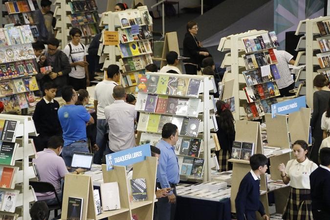 Invita la UAA a Feria Universitaria del Libro