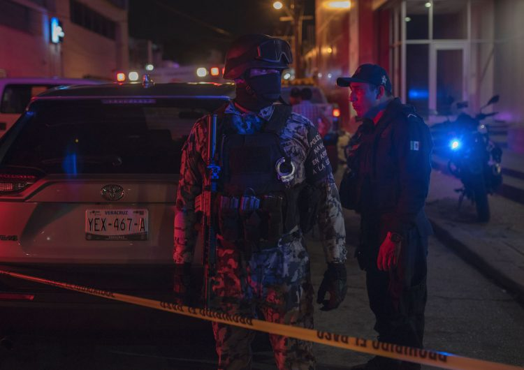 Ataque a un bar en Veracruz deja al menos 28 muertos y 10 heridos