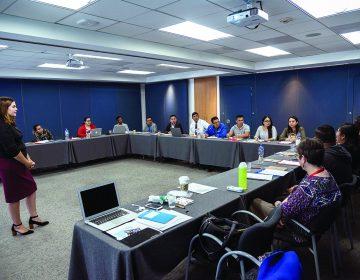 'Dreamers' se capacitan como docentes en México para dar clases de inglés