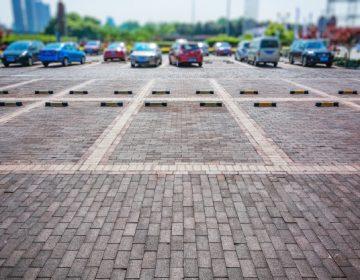 Urge construcción de un estacionamiento en La Purísima