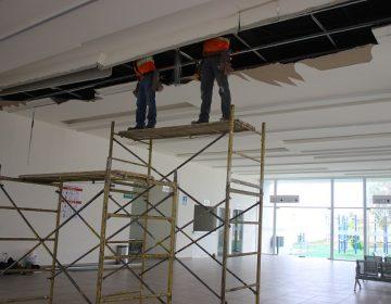 Reparan plafón del Hospital Hidalgo que cayó tras las lluvias
