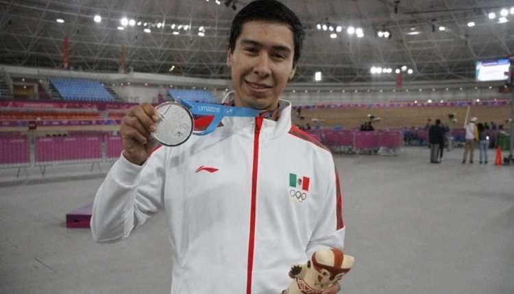 Guanajuatense gana medalla de plata en ciclismo en pista en Lima