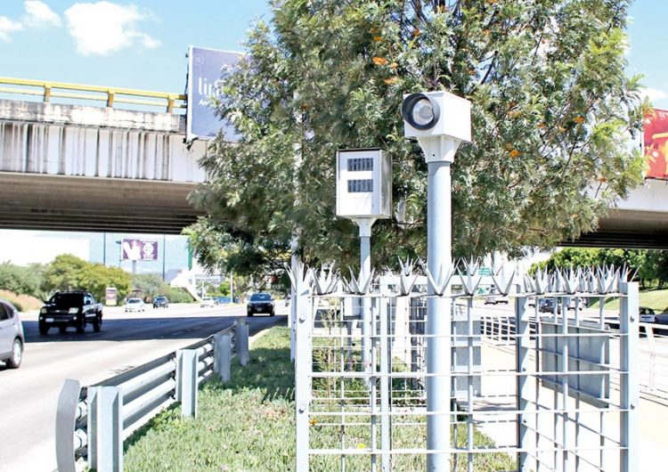 En Puebla analizan continuidad de fotomultas