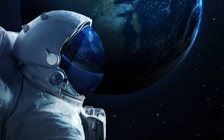 Primer crimen espacial: Astronauta de la NASA es acusada de hackear cuenta de su exesposa desde la EEI