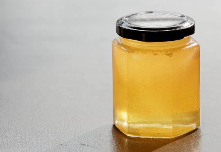 Un hombre pasó más de 80 días en la cárcel porque agentes confundieron miel con metanfetamina líquida