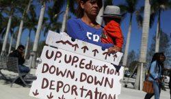 La administración de Trump quería impedir que niños inmigrantes asistan…