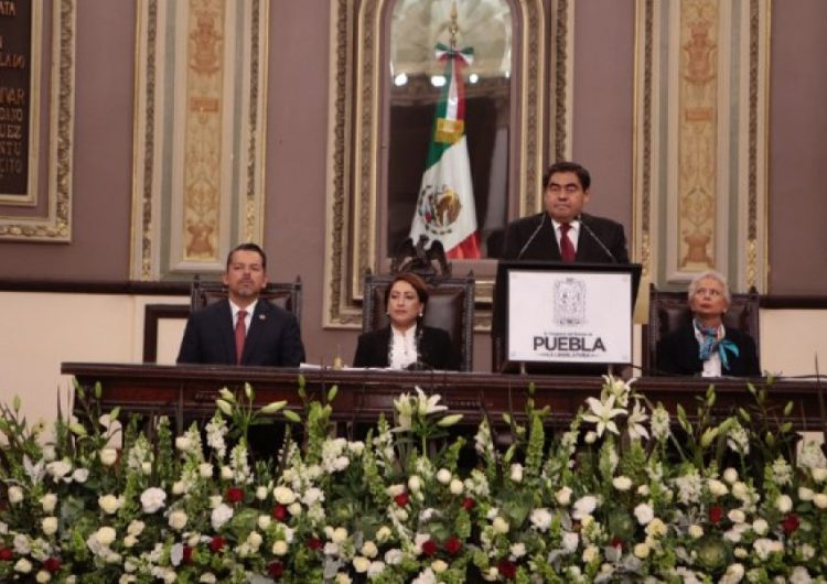 Miguel Barbosa gobernador constitucional de Puebla
