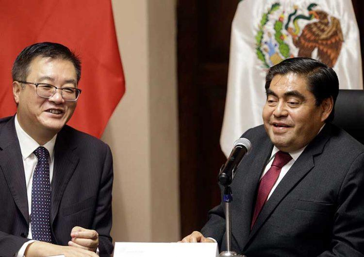 El gobernador de Puebla se reúne con el embajador de China en México