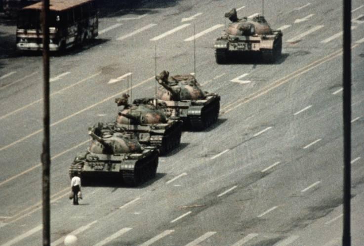 La foto de un manifestante en Hong Kong que hizo recordar la represión de Tiananmén