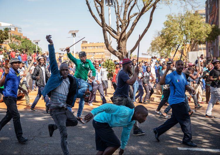 Cinco personas muertas por los disturbios y agresiones xenófobas en Sudáfrica