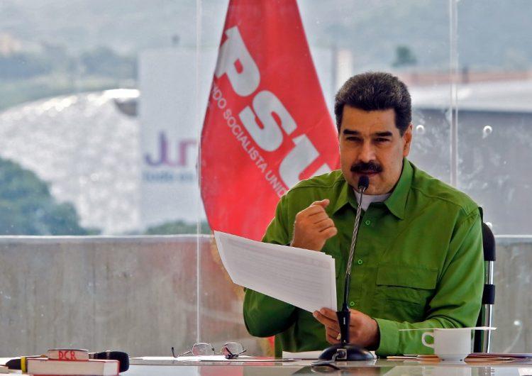 Quien diga que en Venezuela hay una dictadura es un estúpido: Maduro a Mujica