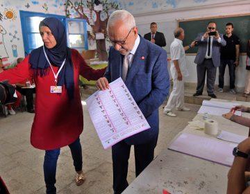 Un candidato independiente y un empresario detenido irán a la segunda vuelta de las elecciones presidenciales en Túnez