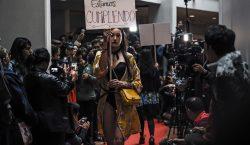 De guerrilleros de las FARC a diseñadores de moda, una…