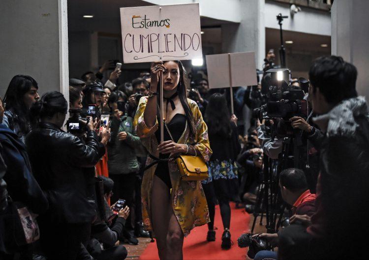 De guerrilleros de las FARC a diseñadores de moda, una apuesta de paz en Colombia
