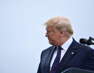 Trump sugiere que arresten a legislador que lidera investigación de su juicio político