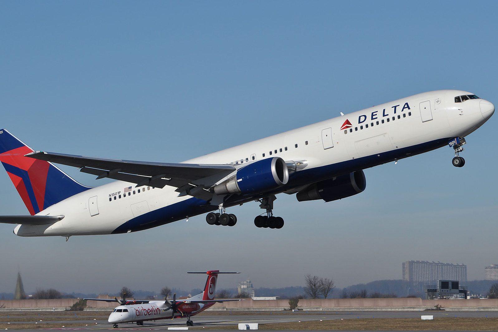 Avión desciende 9.000 metros de altura por emergencia en cabina