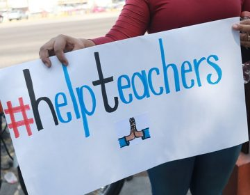"Se resolvería futuro de ""teachers"" este martes"