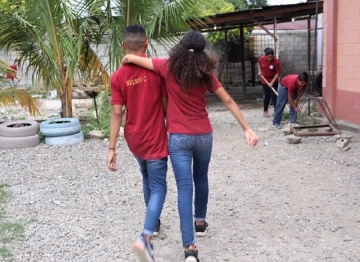 """A pesar de los peligros de vivir en Honduras, conoce a los niños determinados a decir: """"Sabemos cuán bonito es el país"""""""