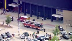 Un hombre estrella su camioneta contra un centro comercial en…