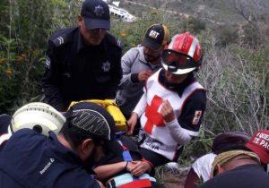 """Joven cae 15 metros del Cerro del Picacho por tomarse una """"selfie"""""""