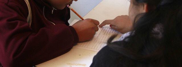 Por tarea excesiva y maltrato investigaron a maestra y director de escuela