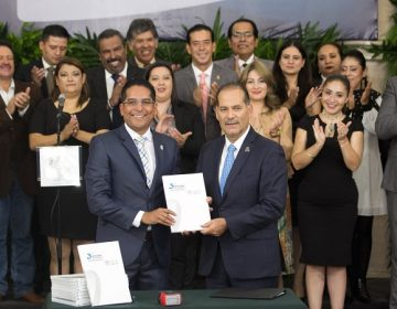 Entregó gobernador de Aguascalientes tercer informe de gobierno en el Congreso