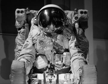 Rusia armará a cosmonautas para protegerse de animales salvajes en aterrizajes de emergencia