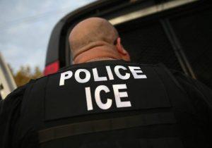 """ICE construye centro de entrenamiento contra """"guerrilla urbana"""" que simula casas de Chicago y Arizona"""