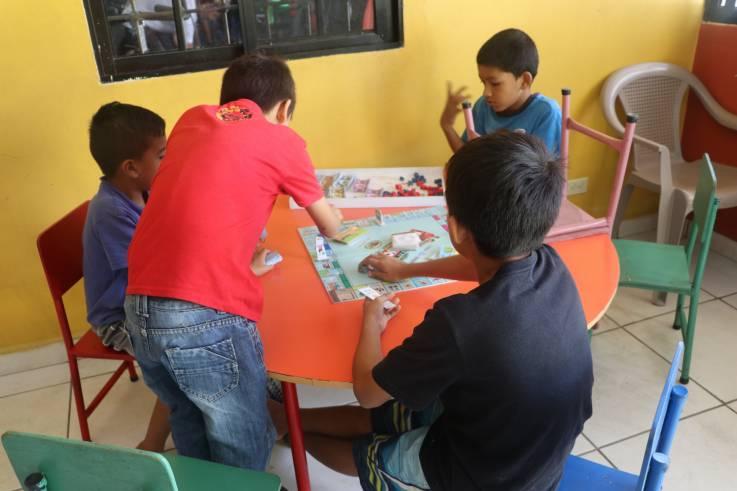 """""""Quizás él no lo sepa"""": Cómo los recortes de Trump dañan a las comunidades más vulnerables de Honduras"""