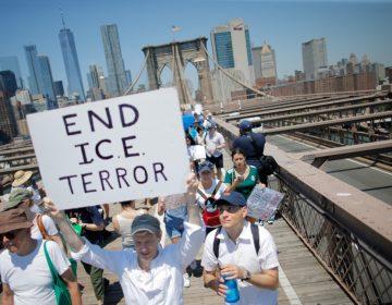 Nueva York multará a quien amenace a otro con llamar a migración por hablar español o no dominar el inglés