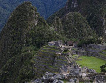 Perú y Corea del Sur firman contrato para la construcción de un polémico aeropuerto en Cusco
