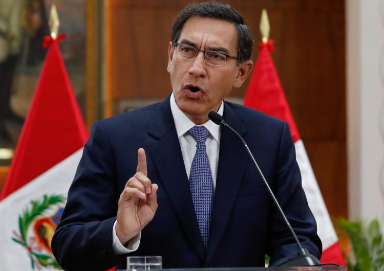 Martín Vizcarra se afianza en Perú tras la renuncia de la vicepresidenta respaldada por el Congreso
