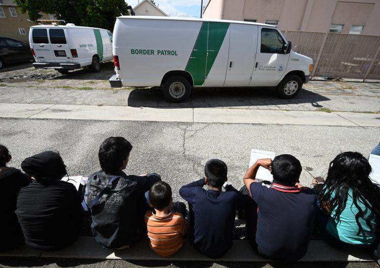 Detenciones en frontera EU-México aumentaron 88% en un año; sumaron casi un millón de personas
