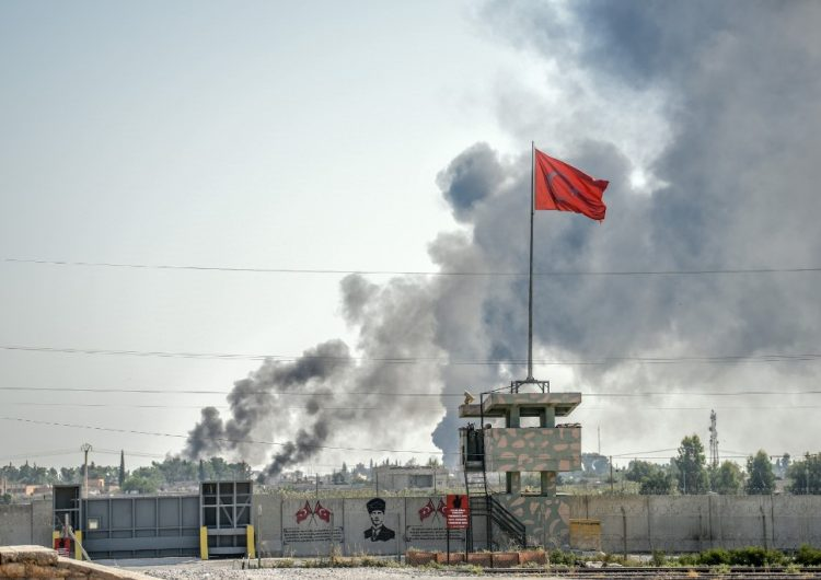 Turquía mantiene ofensiva en Siria y amenaza con enviar migrantes a Europa en caso de represalias