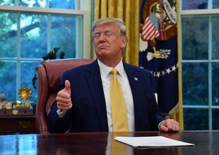 Gobernador de Colorado se burla de Trump por sugerir construcción de un muro en su estado