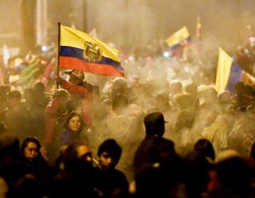 Ecuador se retracta sobre aumento a combustibles tras diálogo con indígenas