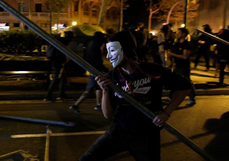 El presidente catalán, Quim Torra condena la violencia durante el tercer día de protestas en Barcelona
