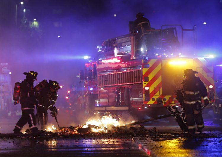 Chile bajo estado de emergencia tras un viernes de furia