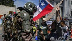 """Primera dama de Chile compara protestas con """"una invasión extranjera,…"""