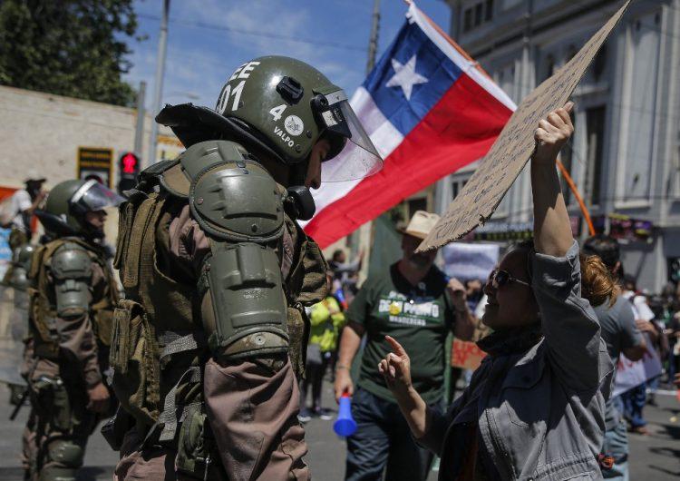 """Primera dama de Chile compara protestas con """"una invasión extranjera, alienígena"""""""