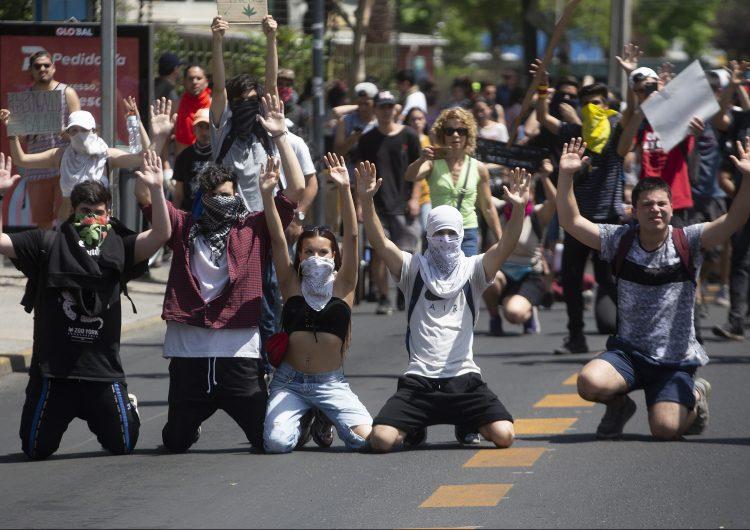 Chile, Argelia, Líbano, Hong Kong: el mundo al rojo vivo