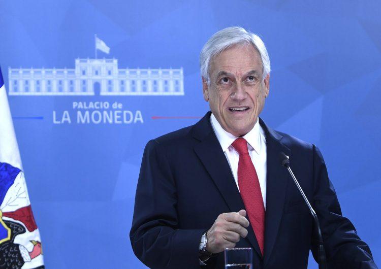Piñera anuncia plan para terminar con toques de queda en Chile