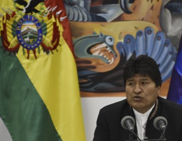 """Evo Morales se proclama vencedor en Bolivia y denuncia un """"golpe de Estado"""" de la derecha"""