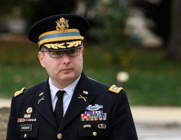 Funcionario de la Casa Blanca asegura ante el Congreso que escuchó a Trump presionar al presidente de Ucrania