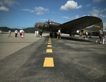 Mueren 7 personas en accidente de avión bombardero de la Segunda Guerra Mundial, en Connecticut